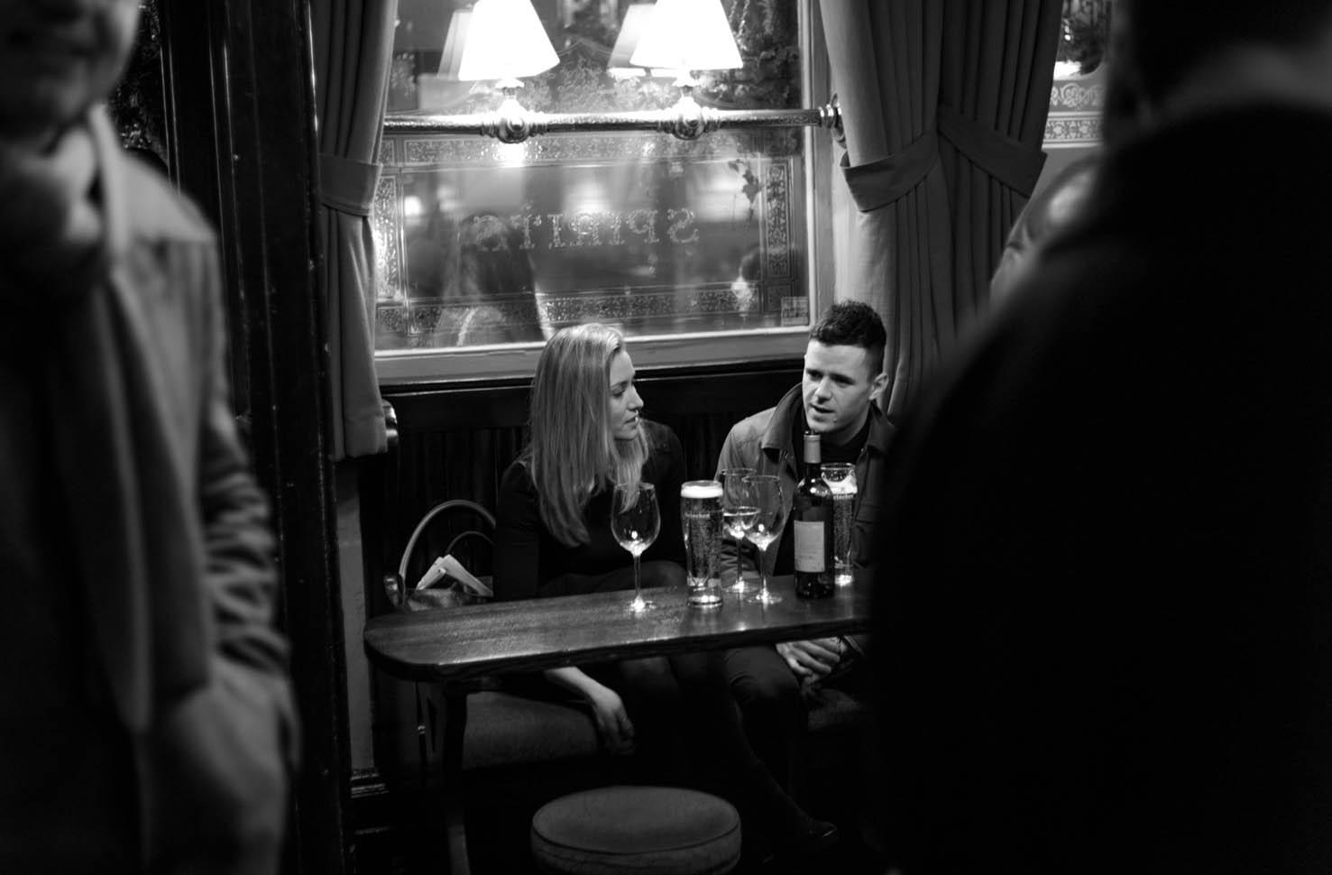 Couple in the pub (© 2013 David Ringel)